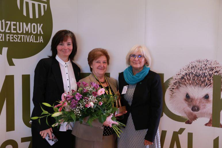 Gratulálunk Káldy Máriának a Múzeumpedagógiai Életműdíjhoz!